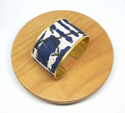 bracelet manchette laiton doré coton batik bleu blanc vert