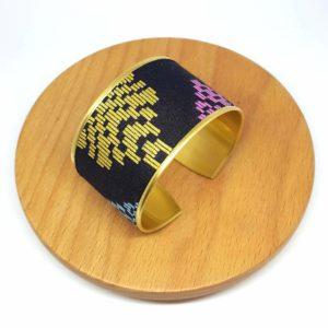 bracelet manchette doré coton batik noir rose bleu