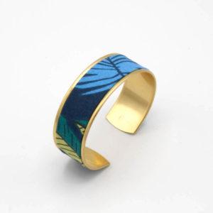 bracelet manchette laiton doré tissu jungle feuilles bleu vert jaune