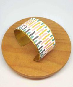 bracelet manchette laiton et coton, vert, rose, jaune et gris