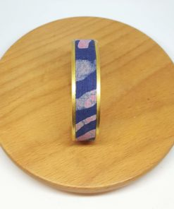 bracelet manchette laiton coton batik rose bleu