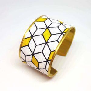 bracelet manchette laiton tissu géométrique cube blanc jaune noir